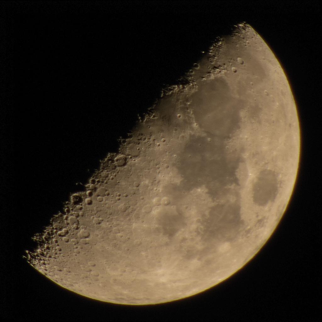 B700-moon-10image
