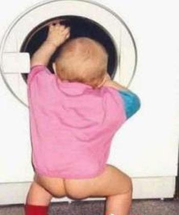 baby洗衣服.jpg