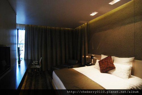 Holiday-Inn-Bangkok-Sukhumvit-22-photos-Room-Gästezimmer-mit-Kingsize-Bett