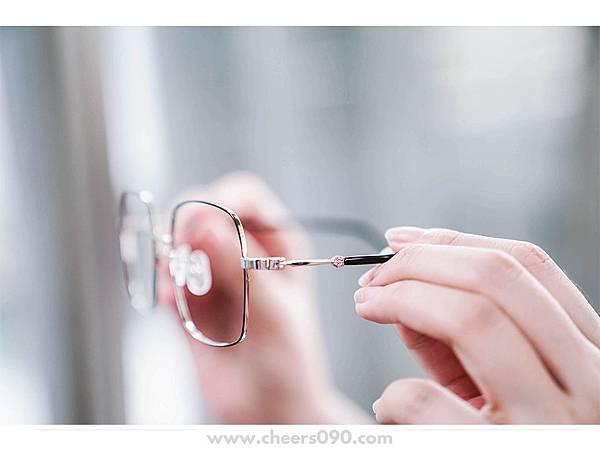 寶島眼鏡玩具總動員鏡框35.jpg