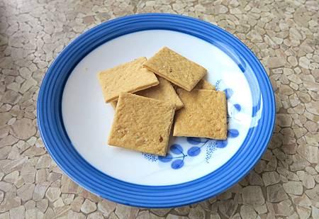 Red Dorset cracker