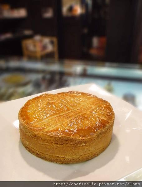 巴斯克蛋糕(Basque cake) NTD$120.