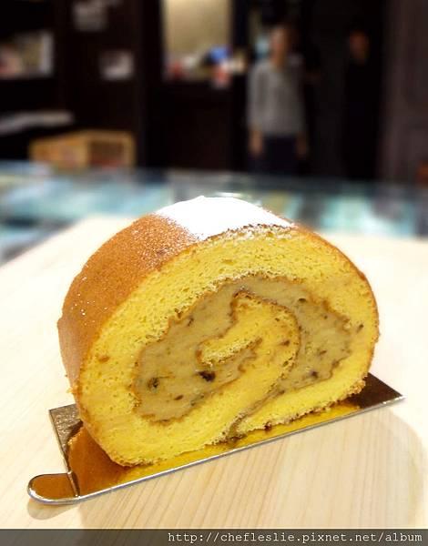 龍眼蛋糕捲(Longan roll cake) NTD$120.