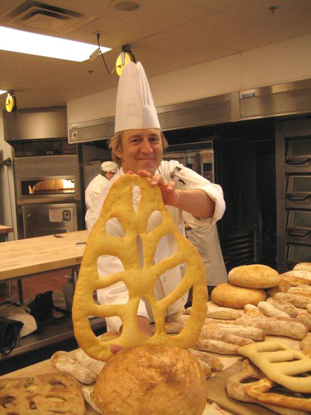 風趣幽默的Chef Mike 與巨大的麵包