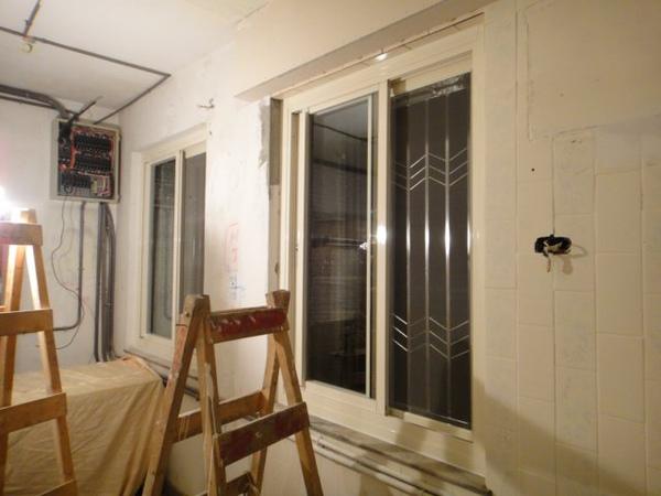 將舊窗戶包上新的鋁框~整個煥然一新!