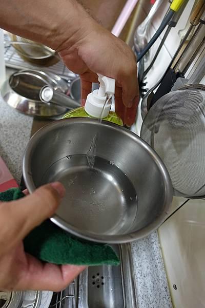 茶樹洗碗精8.JPG