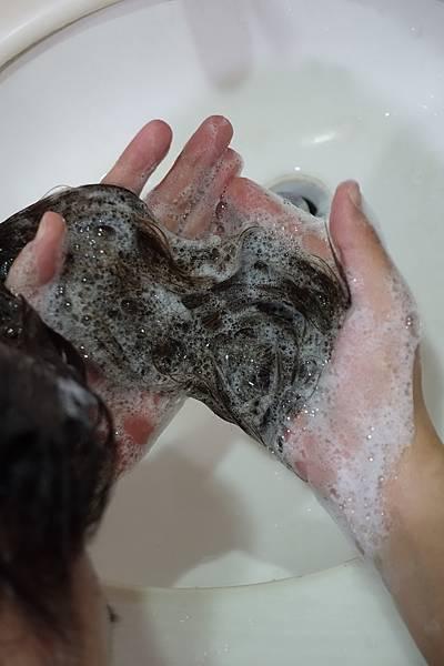 Melasse釋放系列洗髮精8.JPG