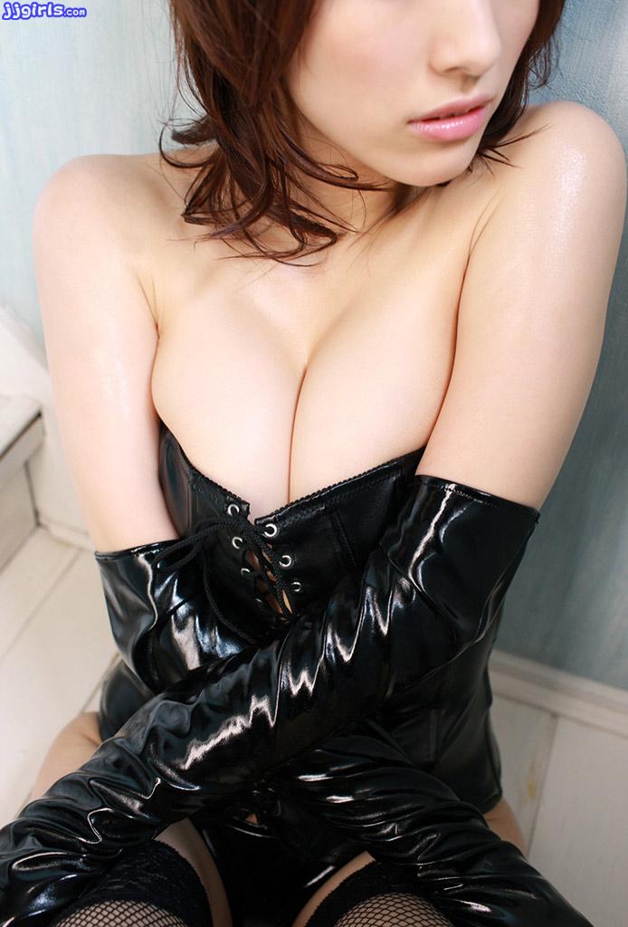 yoshimi-hamasaki-2