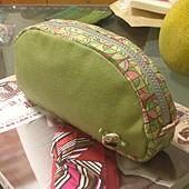 橄欖綠化妝包