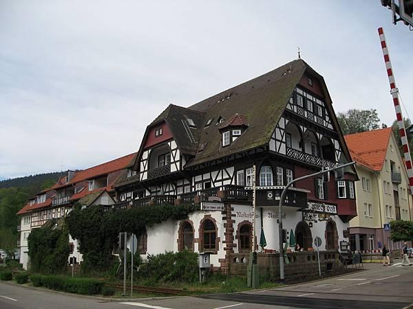Alpirsbach-漂亮的大房子.jpg