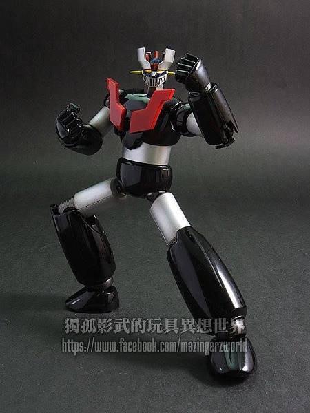7手部與腿部的「可折性」比GX-01、07更高了。.jpg
