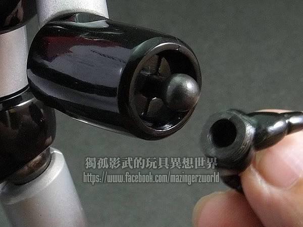 18.連手腕連接處也改成球形體,所以可自由轉動。.jpg