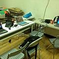 資訊組辦公桌