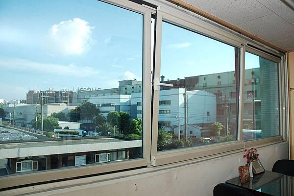 帕洛克系列-內導平行窗 節能窗 斷熱