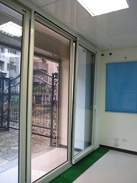 帕洛克系列-內導平行門 節能窗 斷熱