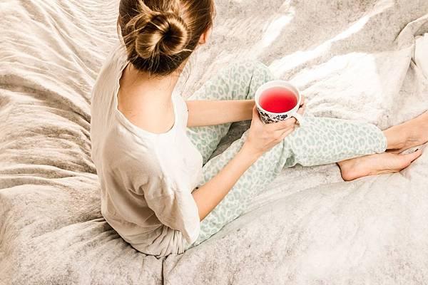morning-girl-2715280_1280.jpg