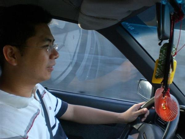 小儒最辛苦了~還要開車