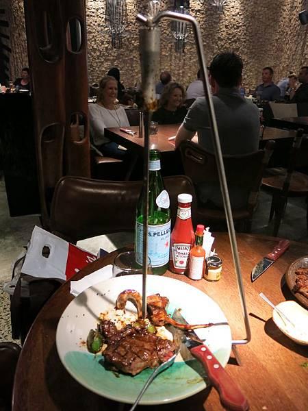 tribes restaurant - 非洲餐館