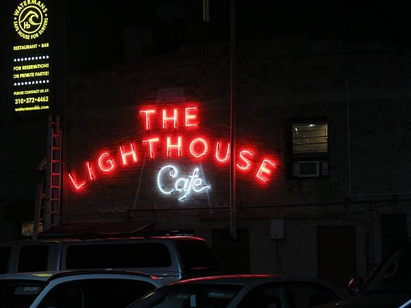 02-The Lighthouse Cafe