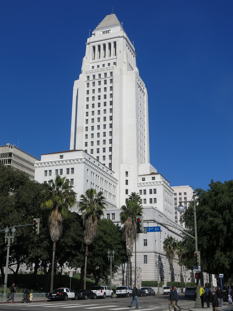 LAPD: 洛杉磯警察局總部