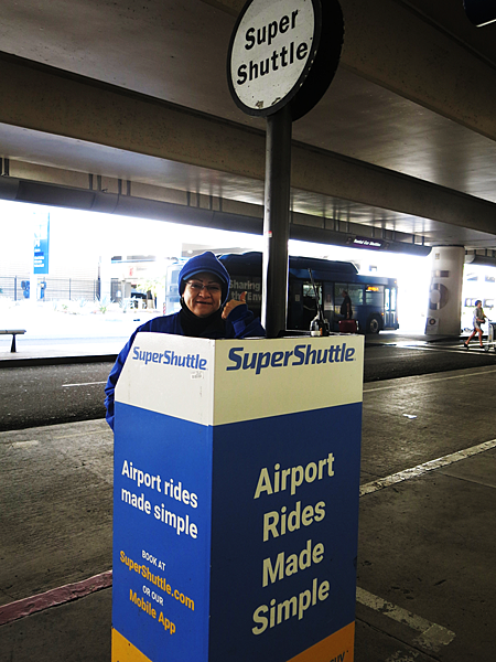 L.A. 機場到市區,最方便的交通方式:SuperShuttle