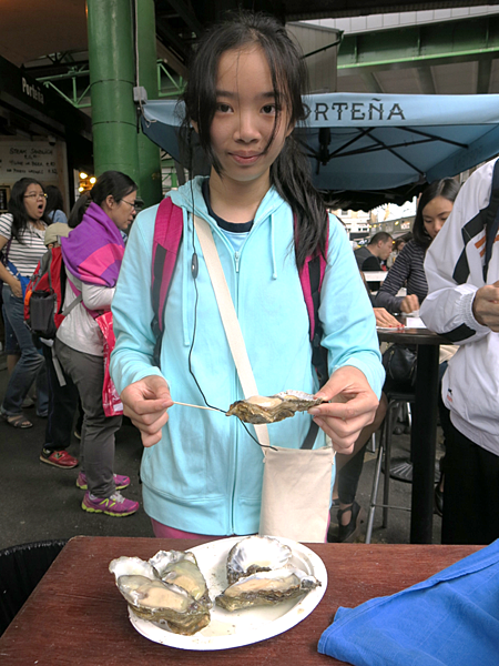 02-Borogh Market 吃生蠔-成寒