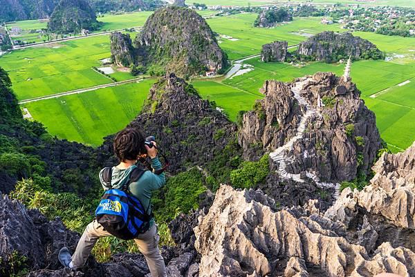 Mua caves遇到的日本攝影師背影
