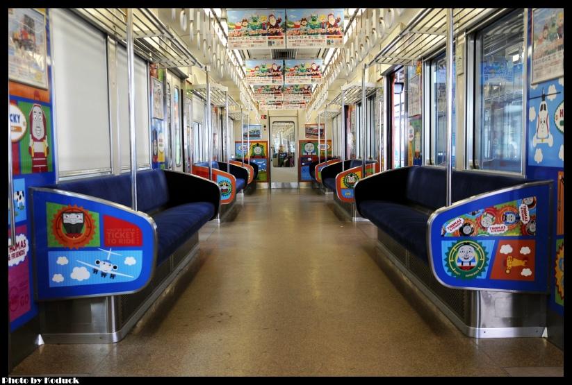 京阪10000系電車(湯瑪士列車)@枚方市站_5(2)_20110912.jpg
