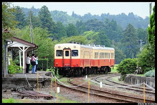 小湊鐵道上總鶴舞站_1(2)_20130907.jpg