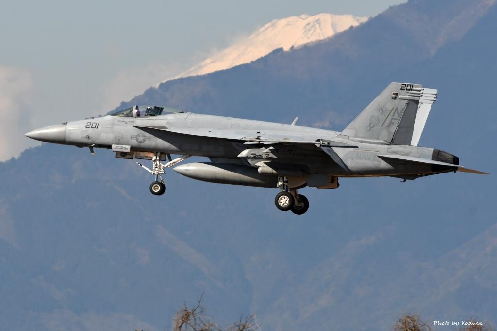 U.S. Navy FA-18E Super Hornet(207)@Atsugi_1_20170308.jpg