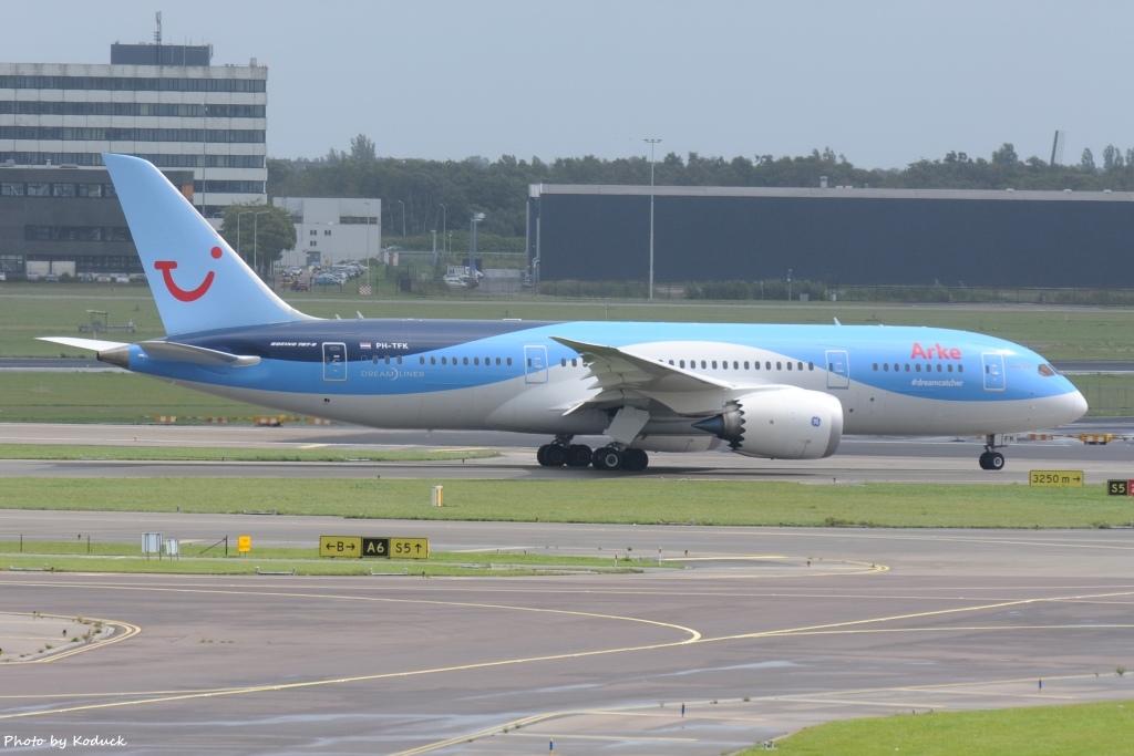 Arke B787-8 Dreamliner(PH-TFK)@AMS_1_20140818.jpg