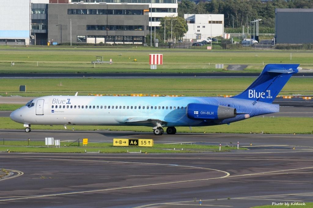Blue1 B717-2CM(OH-BLH)@AMS_2_20140819.jpg