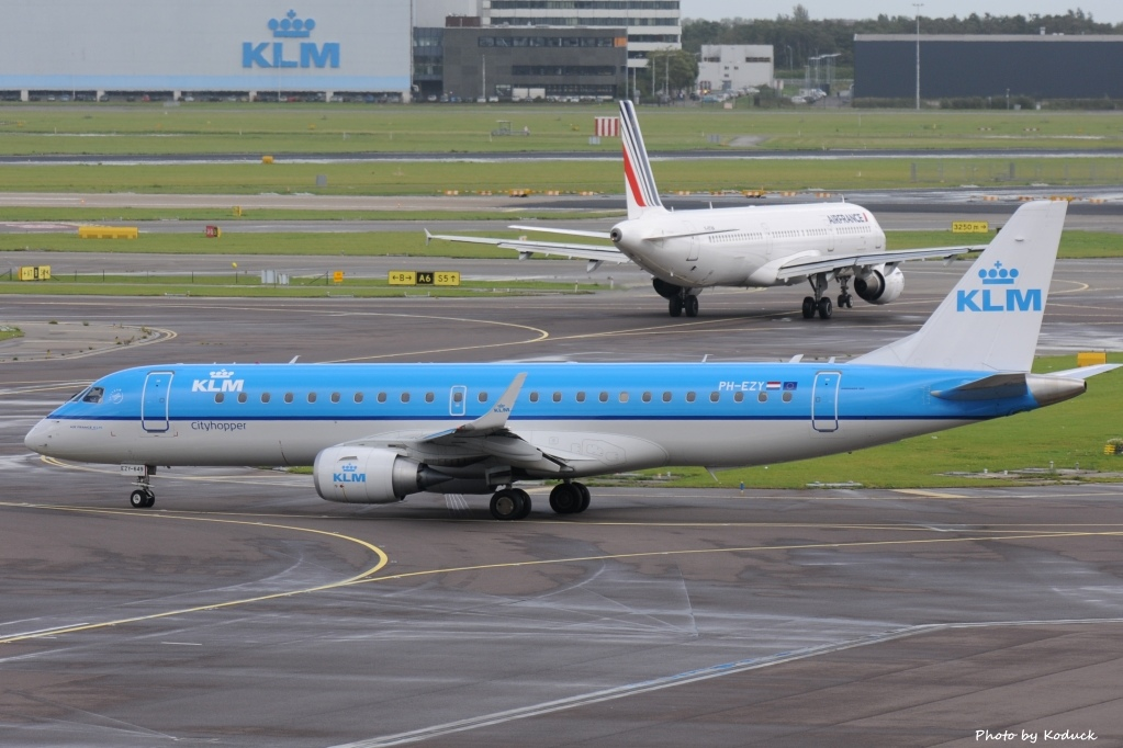 KLM Cityhopper Embraer ERJ-190STD (ERJ-190-100)(PH-EZY)@AMS_1_20140818.jpg