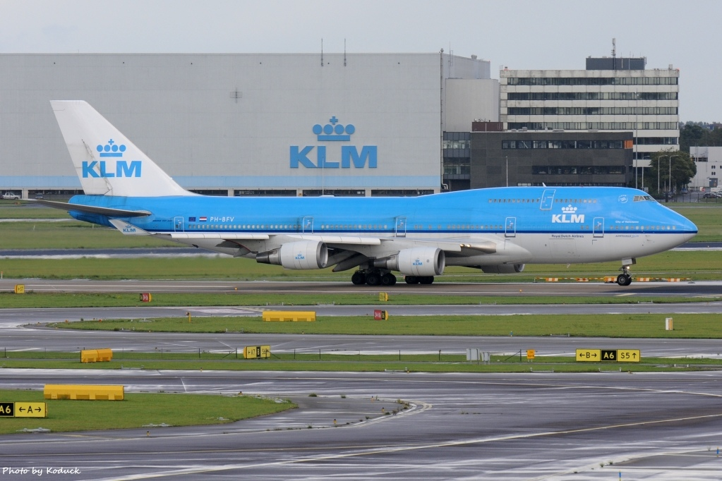 KLM Royal Dutch Airlines B747-406(M)(PH-BFV)@AMS_1_20140819.jpg