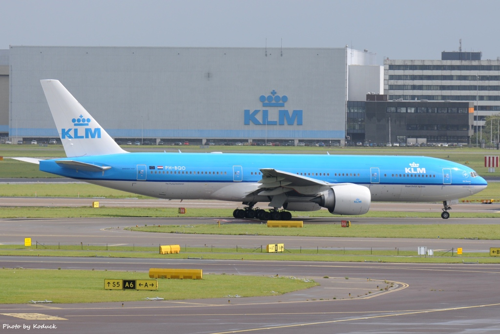 KLM Royal Dutch Airlines B777-206(ER)(PH-BQO)@AMS_1_20140818.jpg
