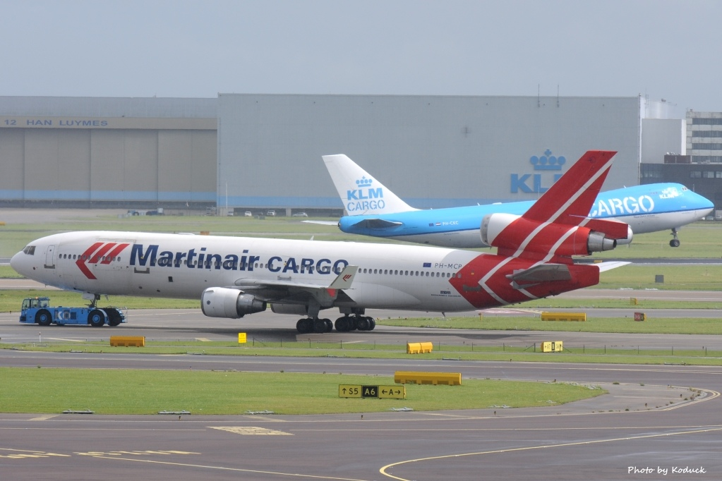 Martinair Holland McDonnell Douglas MD-11F(PH-MCP)@AMS_2_20140818.jpg
