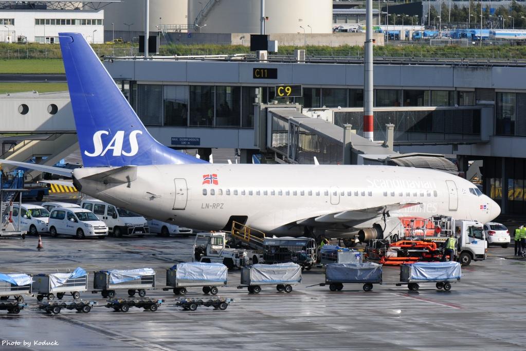 SAS Scandinavian Airlines B737-683(LN-RPZ)@AMS_1_20140819.jpg