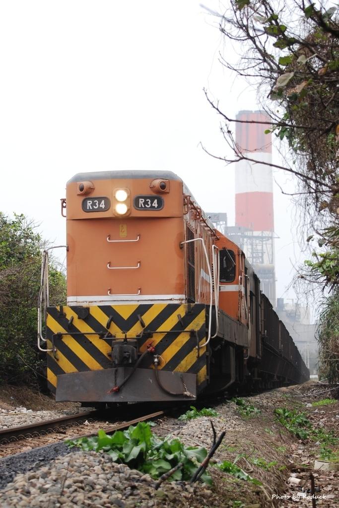林口線貨列(018K+700_1909次煤列)_4_20070301.JPG