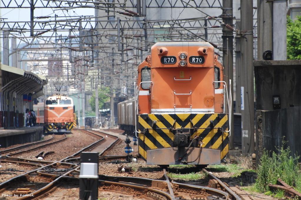 林口線貨列(0K_R70單機)_1_20070718.JPG