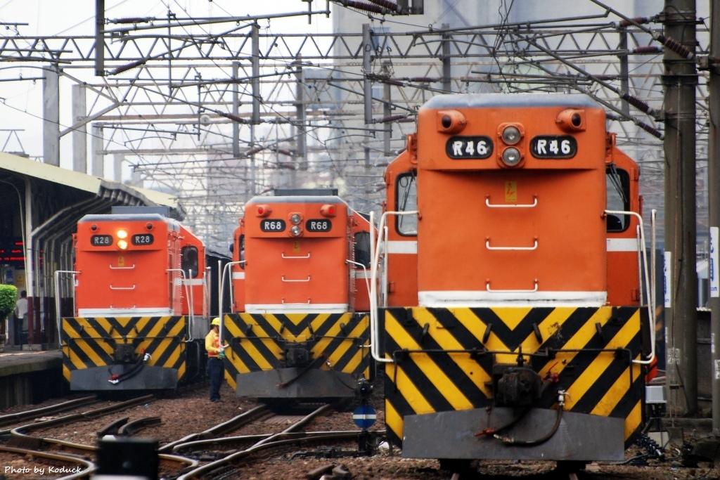 林口線貨列(0K_桃園站內R20與R50)_5(1)_20071102.JPG
