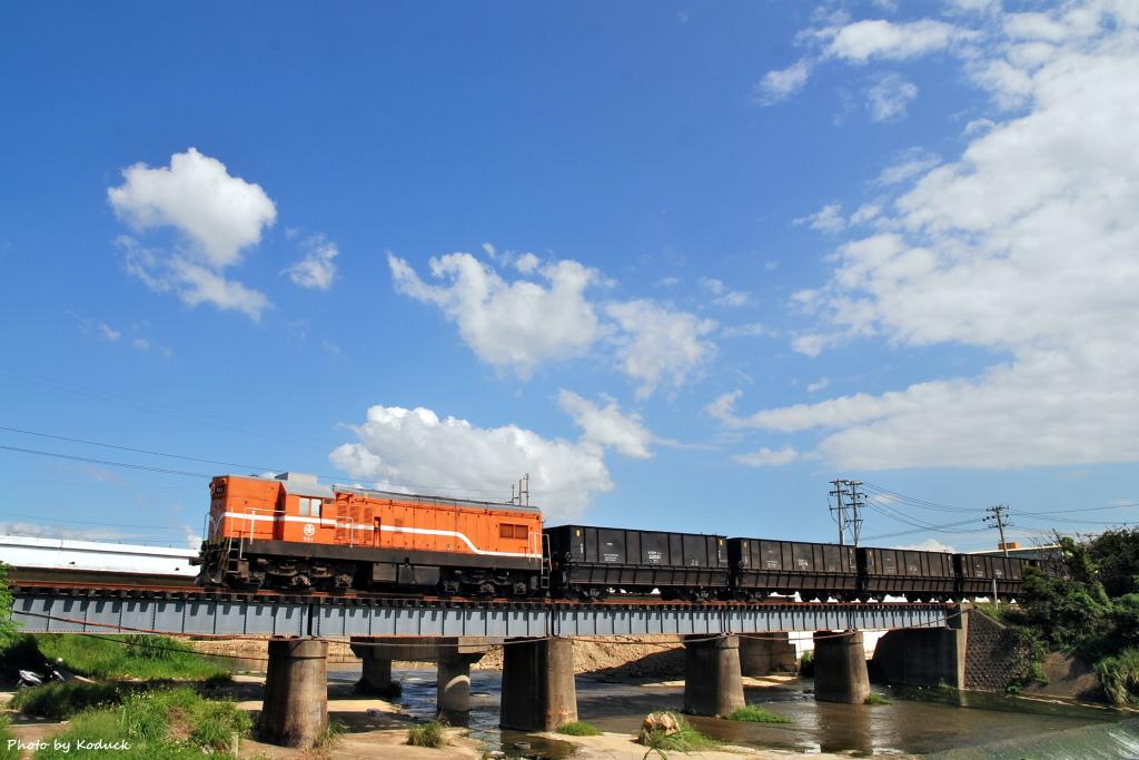林口線貨列(012K+500_1904次煤列)_4_20070927.JPG