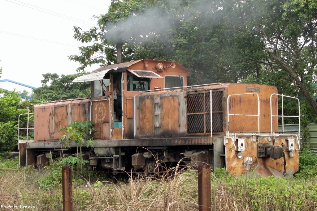 林口線貨列(010K+686_台泥側線)_1_20050723.jpg
