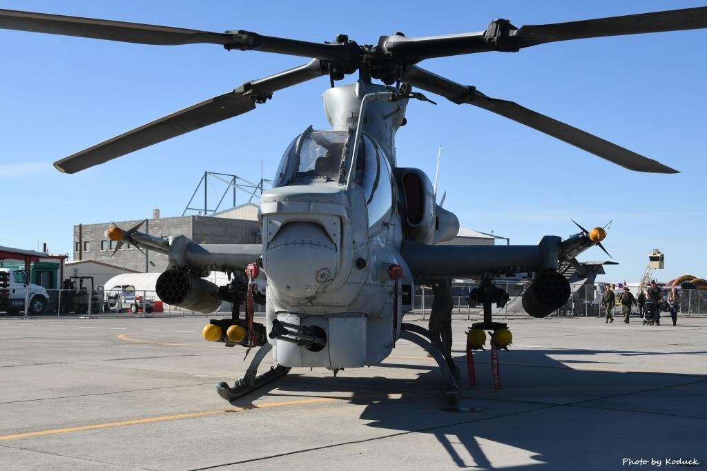 US Marine VMX-1 AH-1Z (166761)@Yuma_1_20180317.jpg