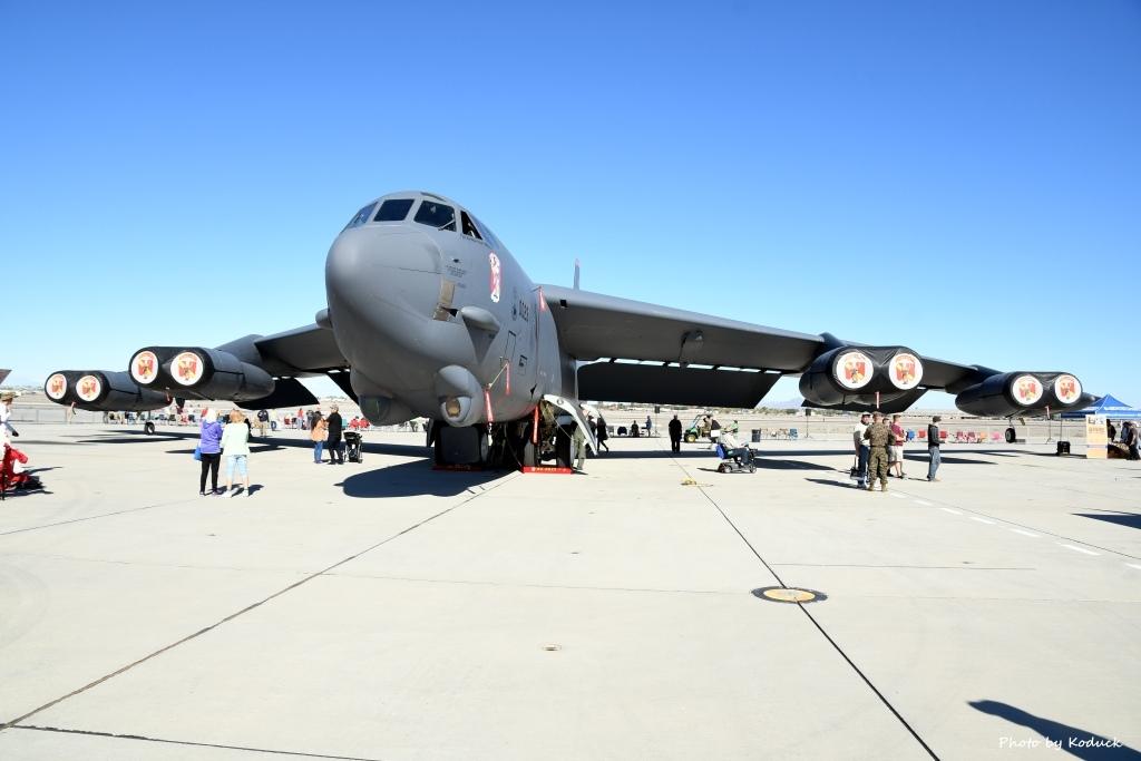 USAF 5BW B-52H(60-0023)@Yuma_1_20180317.jpg