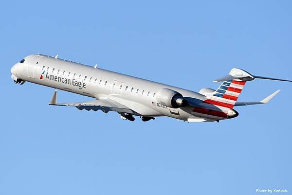 American Eagle Bombardier CRJ-900(N248LR)@TUS_1_20180320.jpg