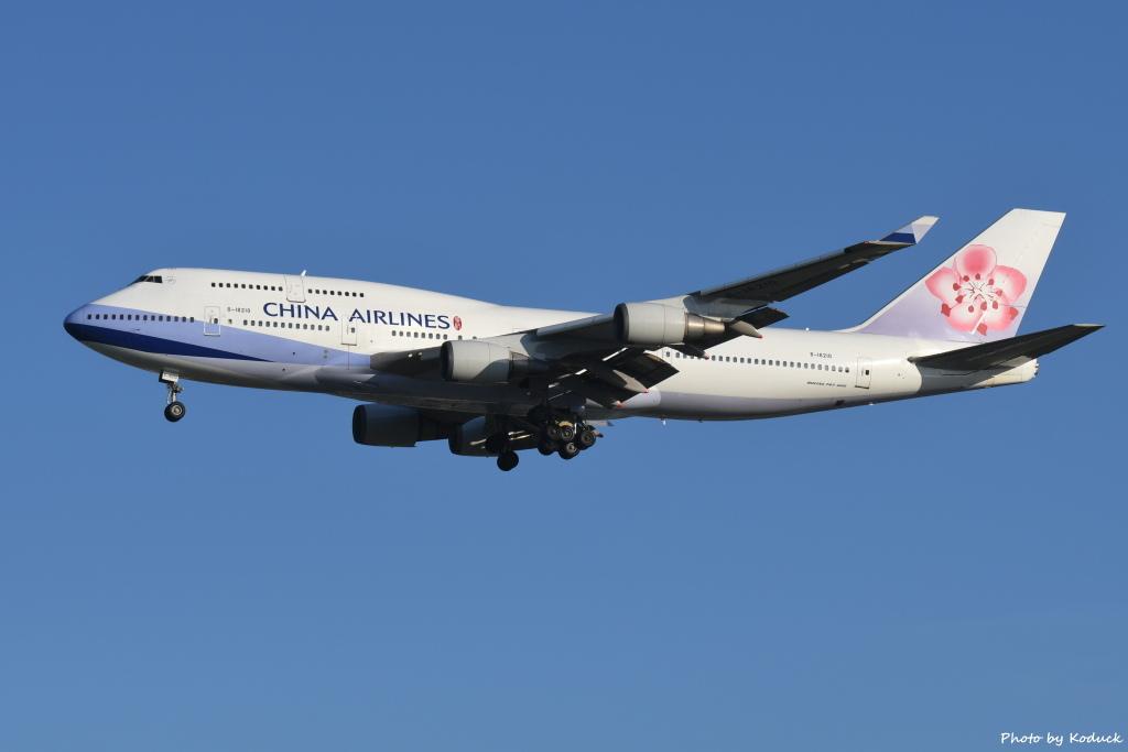 China Airlines B747-409(B-18210)@RCTP_1_20190806.JPG