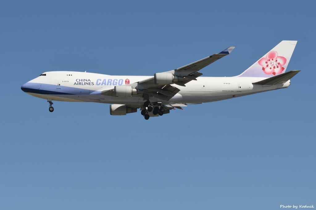 China Airlines B747-409F(B-18709)@RCTP_1_20190806.JPG