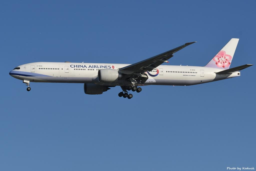 China Airlines B777-309(ER)(B-18006)@RCTP_1_20190806.JPG