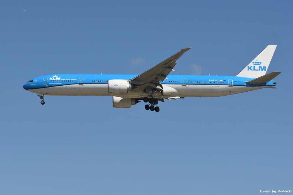 KLM Royal Dutch Airlines B777-306(ER)(PH-BVU)@RCTP_1_20190806.JPG