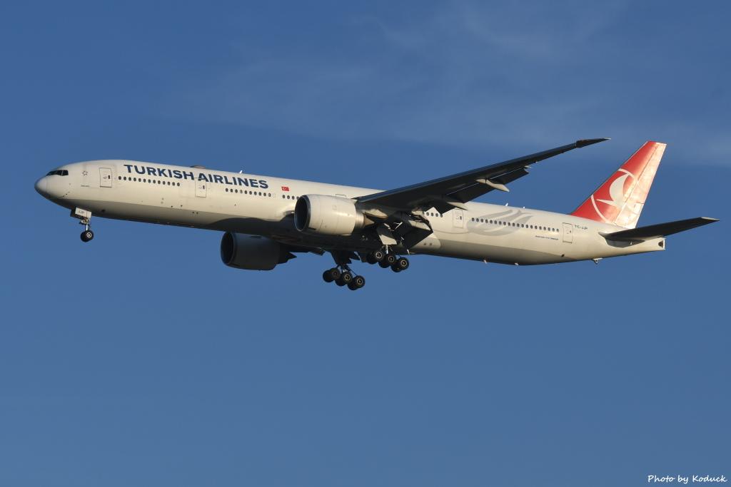 Turkish Airlines B777-3F2(ER)(TC-JJP)@RCTP_1_20190806.JPG